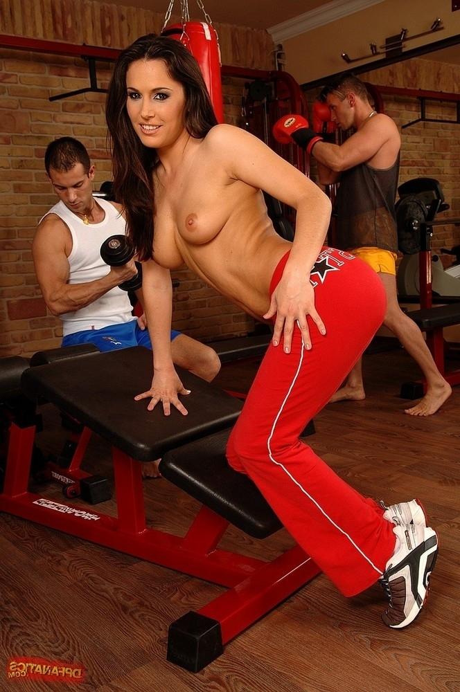 Ебля в спортзале