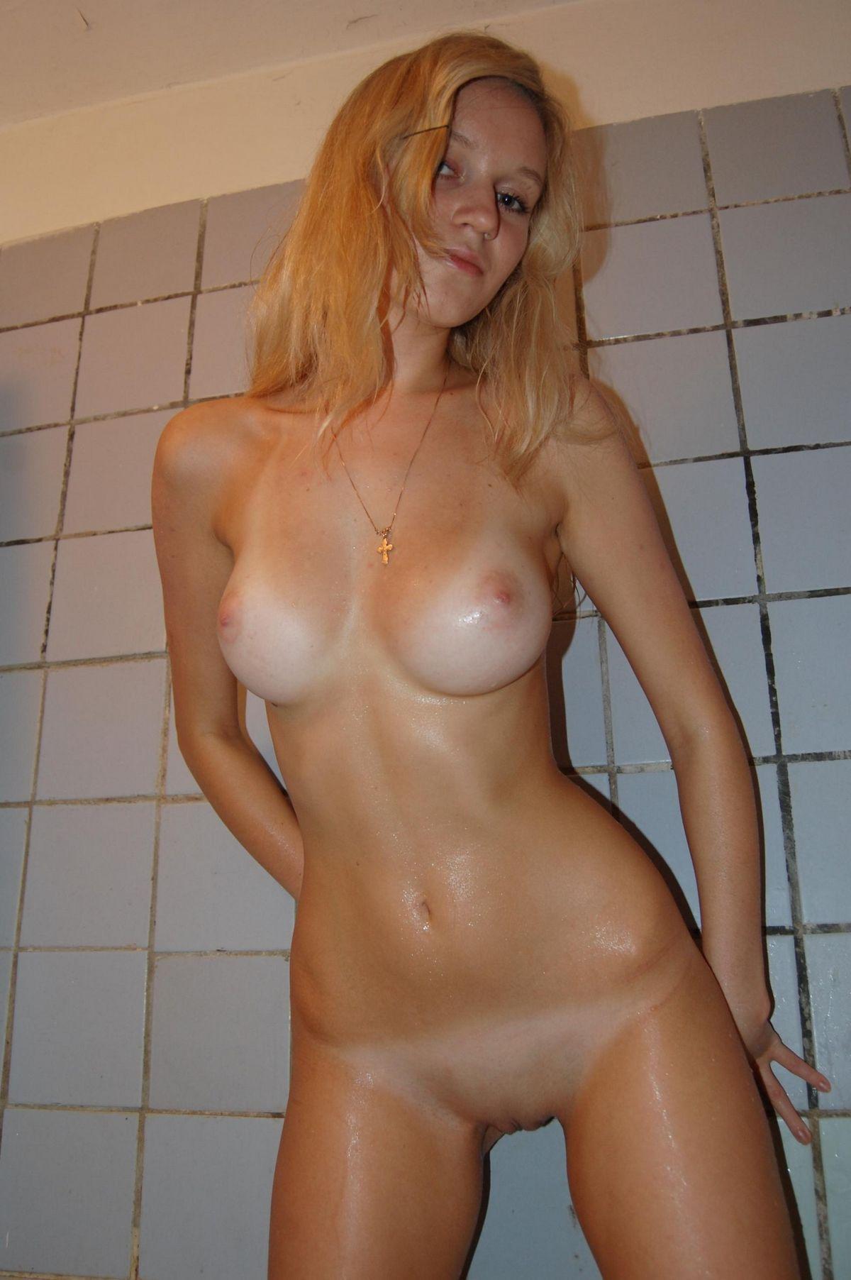 Подборка голеньких титьек девок с привлекательными сосками