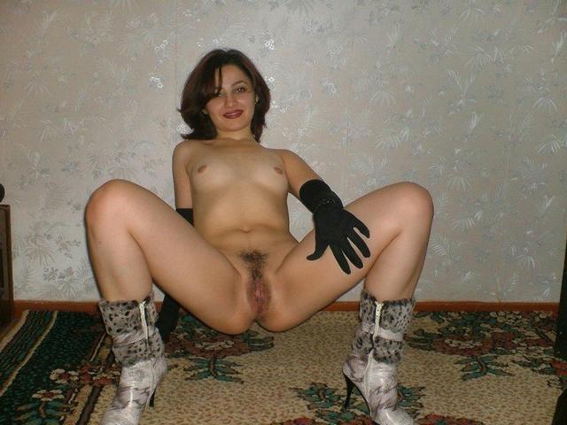 Нежные русские цыпочки не откажут никому фото порно