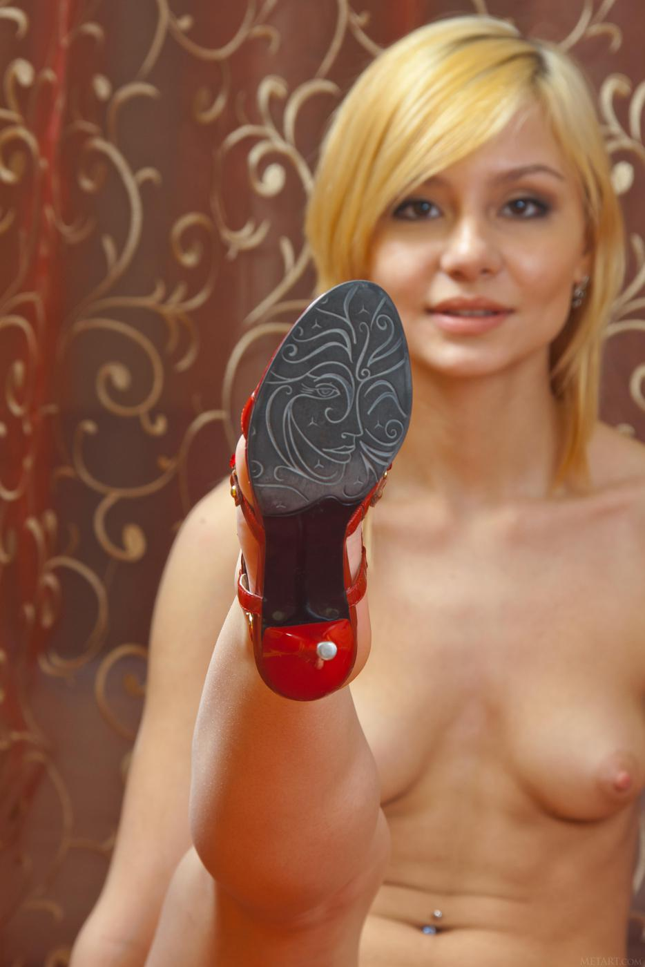 MetArt представляет галерею фото Marianna A
